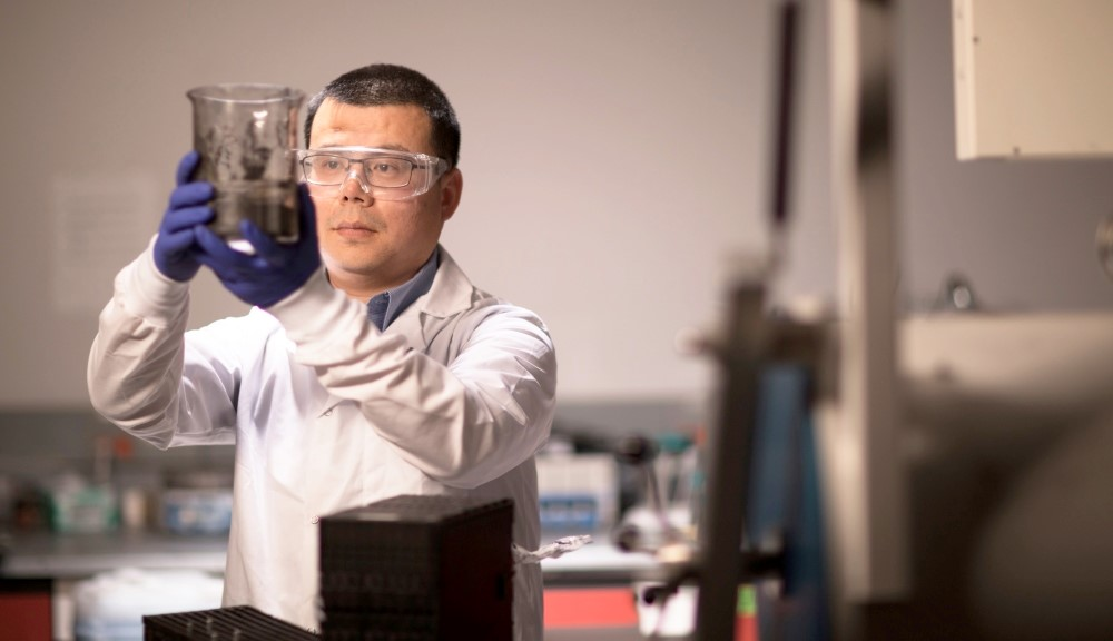 Giáo sư Yan Wang, CEO AM Batteries. (Ảnh: WPI). (Nguồn: vietnambiz).